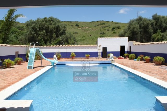 Home or Abroad? bit.ly/1MaX8Xr Do you fancy living in an 8 bedroom country house in Sotogrande, Spain? Pool, guest cottage, stables and close proximity to golf course, polo grounds and moorings!