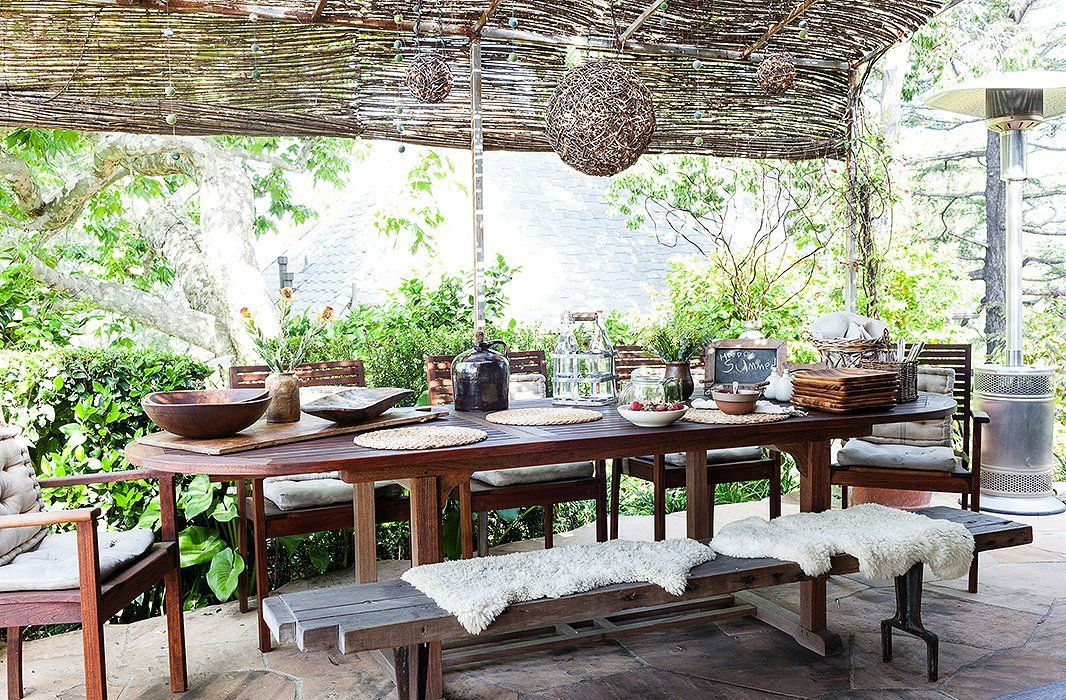 Charming 11 Decorating Ideas To Steal For Your Outdoor Dining Space