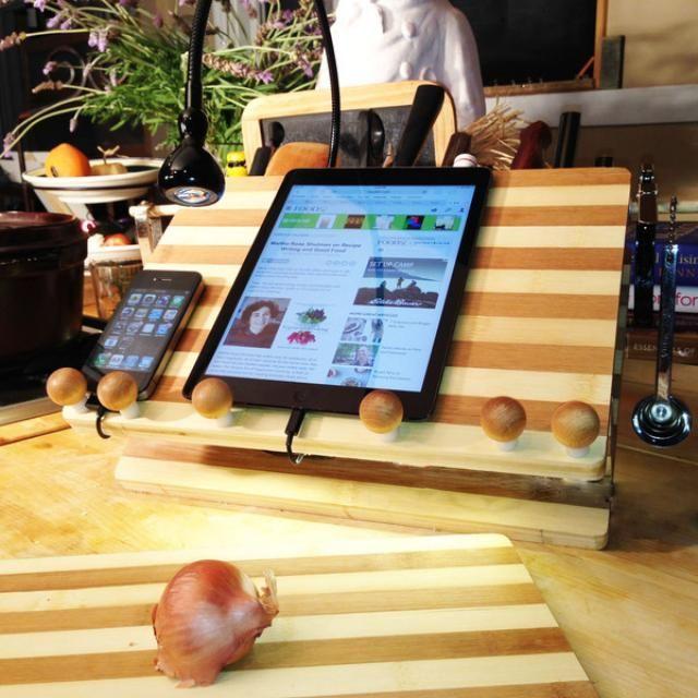 LED Beleuchtung und Bambus – eine Arbeitsecke in der Küche ...