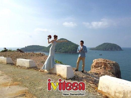 """""""Ngây ngất trời mây"""" với bộ ảnh cưới của """"ông trùm"""" hoa hậu Việt - http://www.iviteen.com/ngay-ngat-troi-may-voi-bo-anh-cuoi-cua-ong-trum-hoa-hau-viet/ Khimàn cầu hôn hoành tráng của chàng quản lí người mẫu với cô bạn gái tiếp viên hàng không vẫn chưa hạ nhiệt thì cặp đôi dễ thương này đã công bố vài hình ảnh cưới lung linh khiến cộng đồng mạng lại tiếp tục """"dậy sóng&#82"""