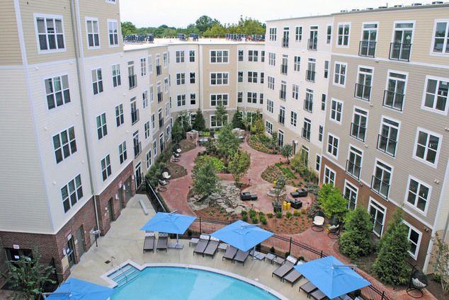 Beacon Of Groveton Alexandria Va Apartment Pool Resort Style Pool Cool Apartments