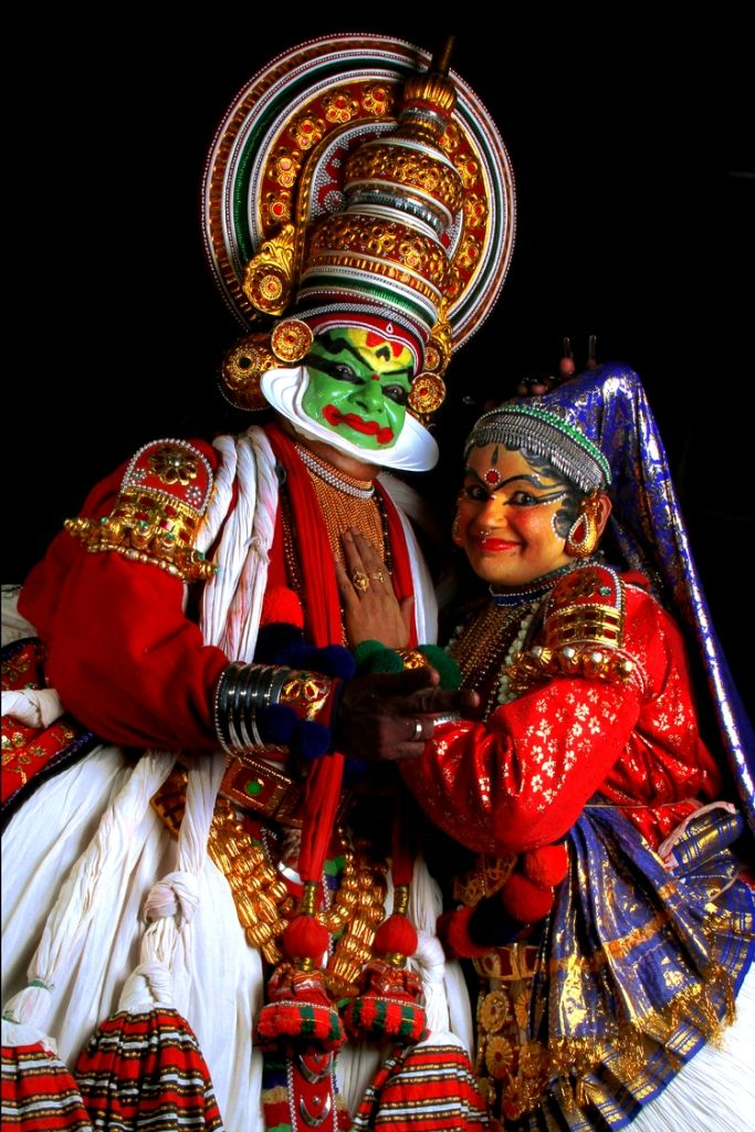 Kadhakkali When Body Art And Colors Speaks Art Village India Art Indian Classical Dance