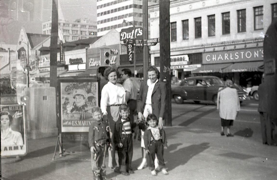 Corner Of 7th And Alvarado Streets Opposite Macarthur Park Los Angeles 1952 Los Angeles History Los Angeles Los Angeles Parks