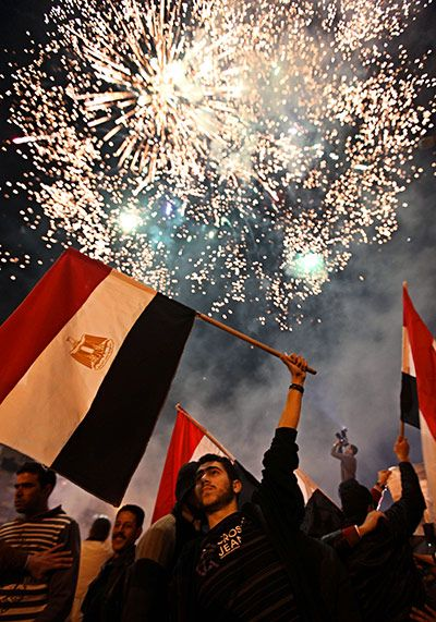 Muslim World Celebrates Egyptian Revolution In Pictures Egypt