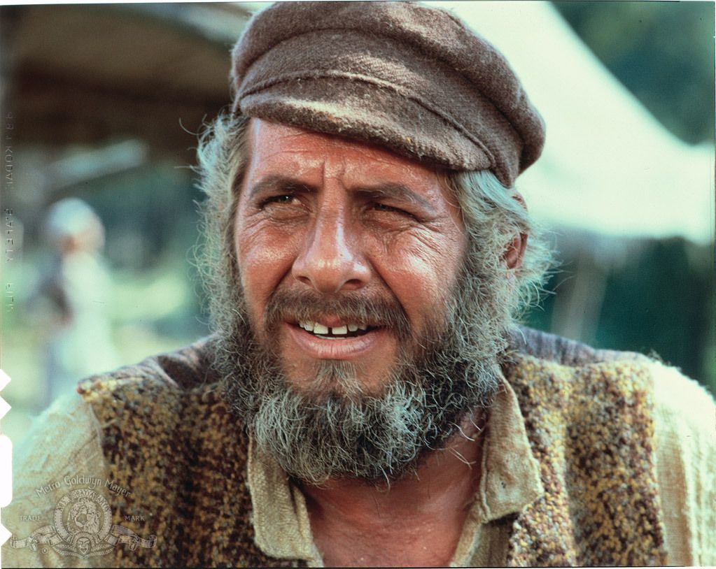Paul Michael Glaser and Topol in Fiddler on the Roof (1971