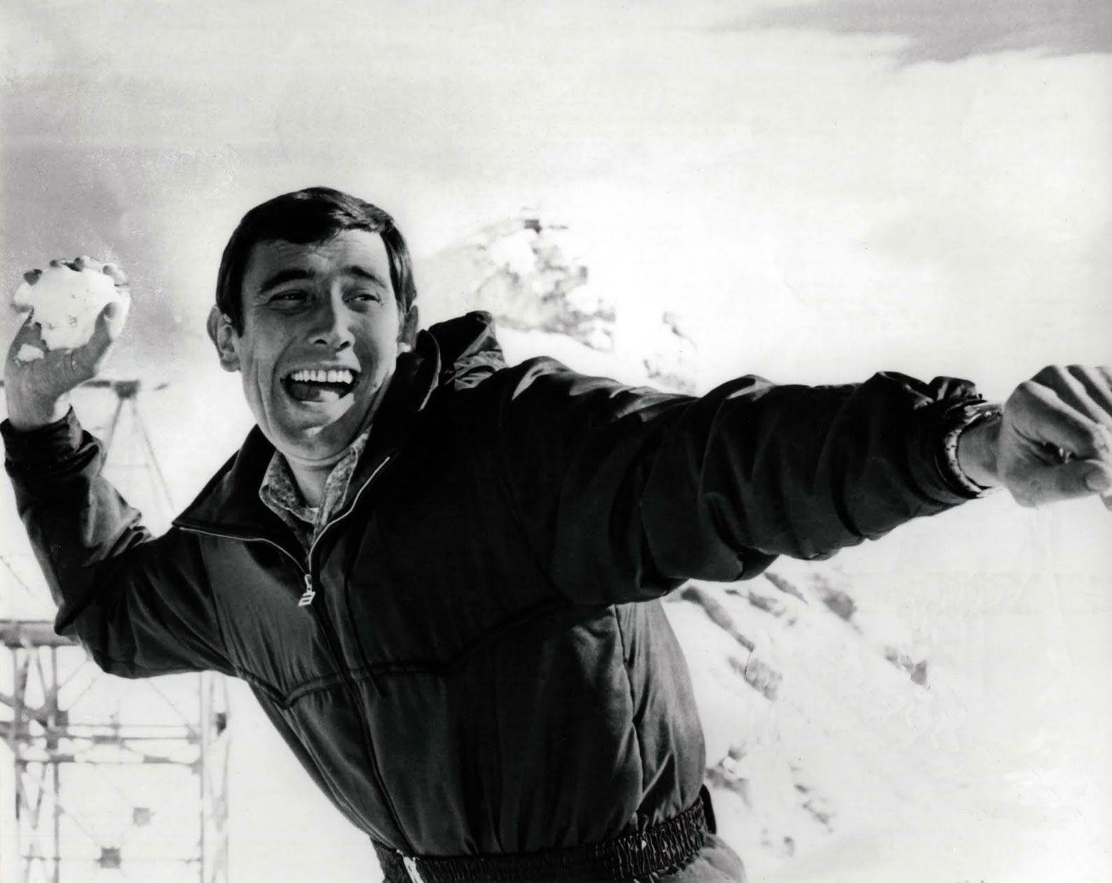 George Lazenby pudo haber sidoo James Bond mucho tiempo de haber jugado bien sus cartas. No fue así. Solo duró una película.