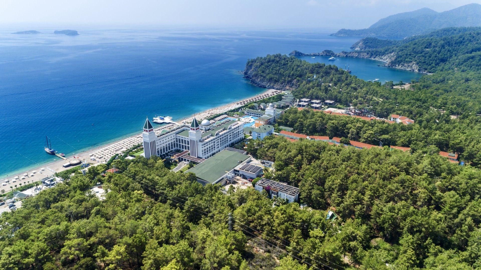 Nirvana Dolce Vita Luxury Wedding Hotel In Tekirova Antalya Hotel Wedding Hotel Hotel Place