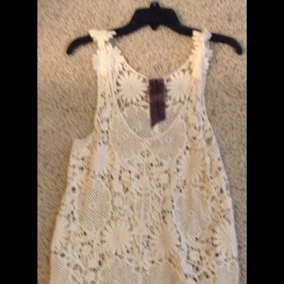 NWOT CROCHETED TANK NEVER WORN NWOT CROCHET TANK NEVER WORN SIZE LARGE Moon Collection Tops Tank Tops