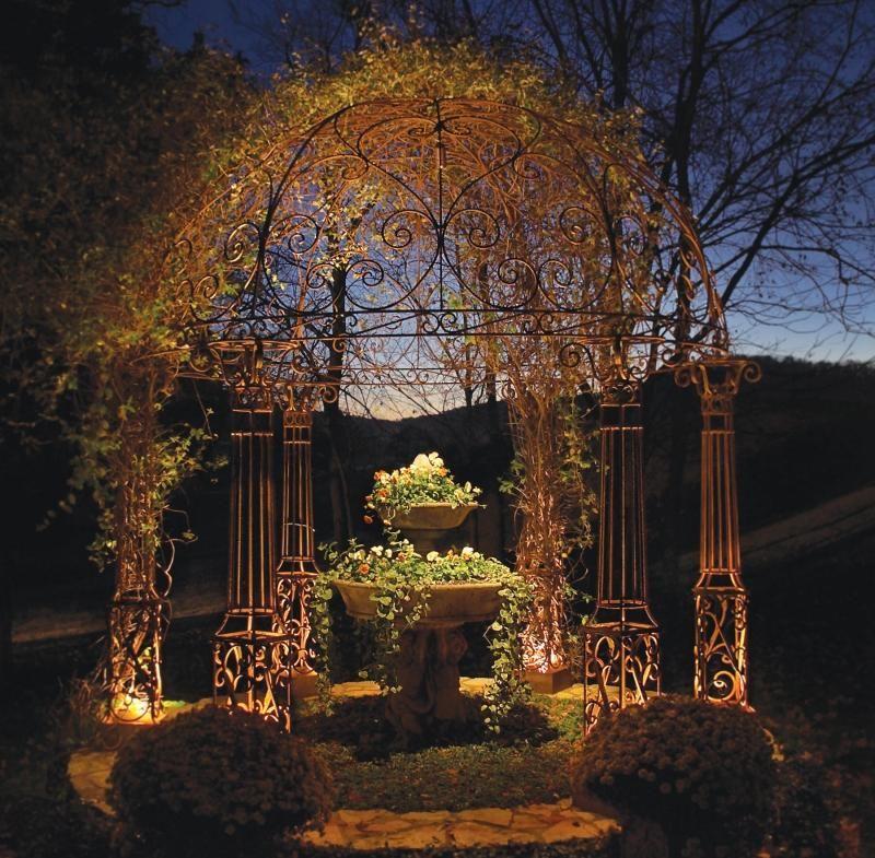 Gartenbeleuchtung Ideen led gartenbeleuchtung ideen pergola metall jpg 800 785 ljus i