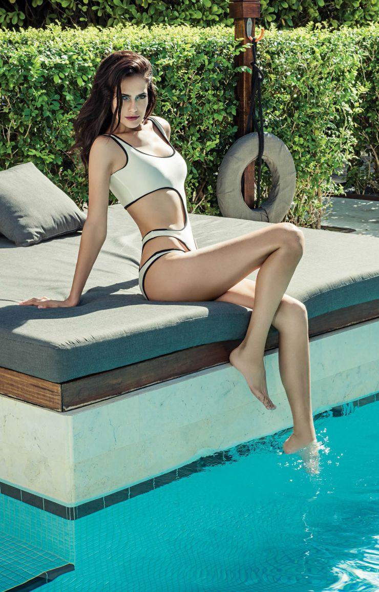 Bikini Amanda Wellsh nude (71 images), Leaked