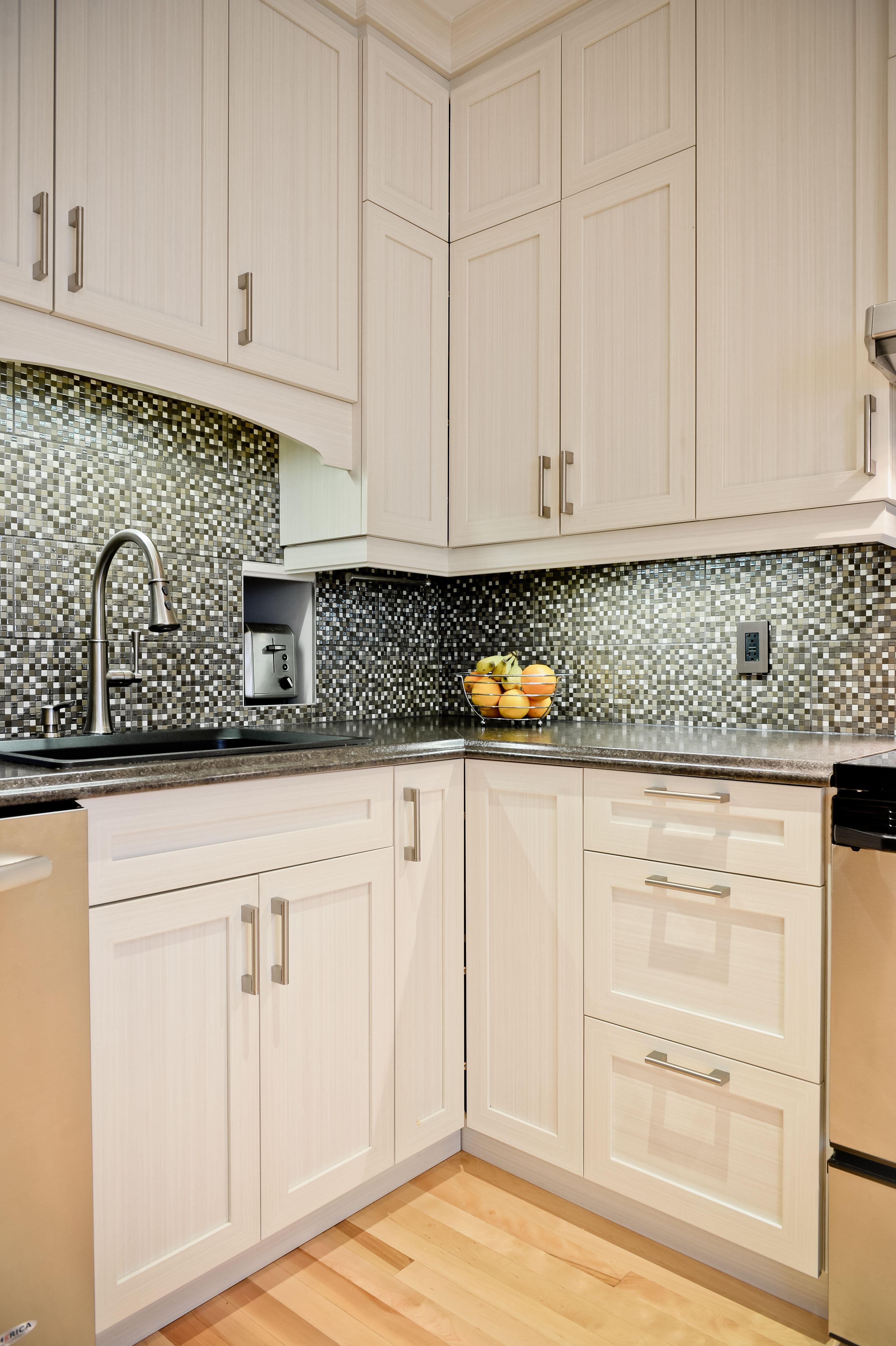 un projet réalisé par des entrepreneurs renoassistance le dosseret donne beaucoup de charme à on r kitchen cabinets id=41378