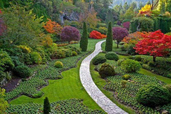 Wunderschöne Garten Ideen - Weg aus Pflastersteinen