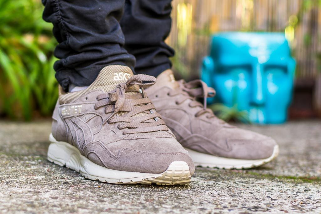 Asics Gel Lyte V Taupe Grey On Feet Sneaker Review WDYWT  358d601ea