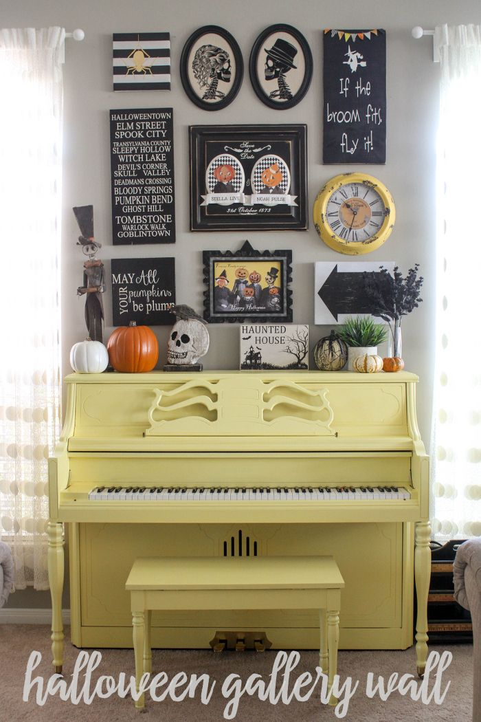 A beautiful and bright Halloween Gallery Wall - get all the details ...
