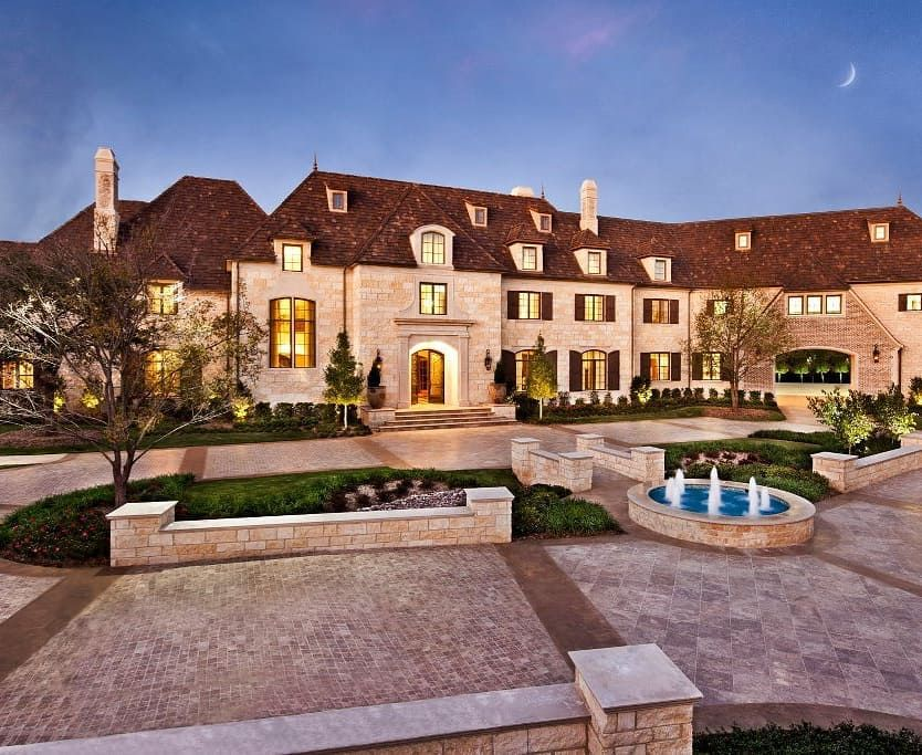 Incredible Stone Mega Mansion 4939 Manson Court Dallas Texas 29 000 Square Feet 10 Bedrooms 13 Extravagant Homes Mansions Homes Expensive Houses
