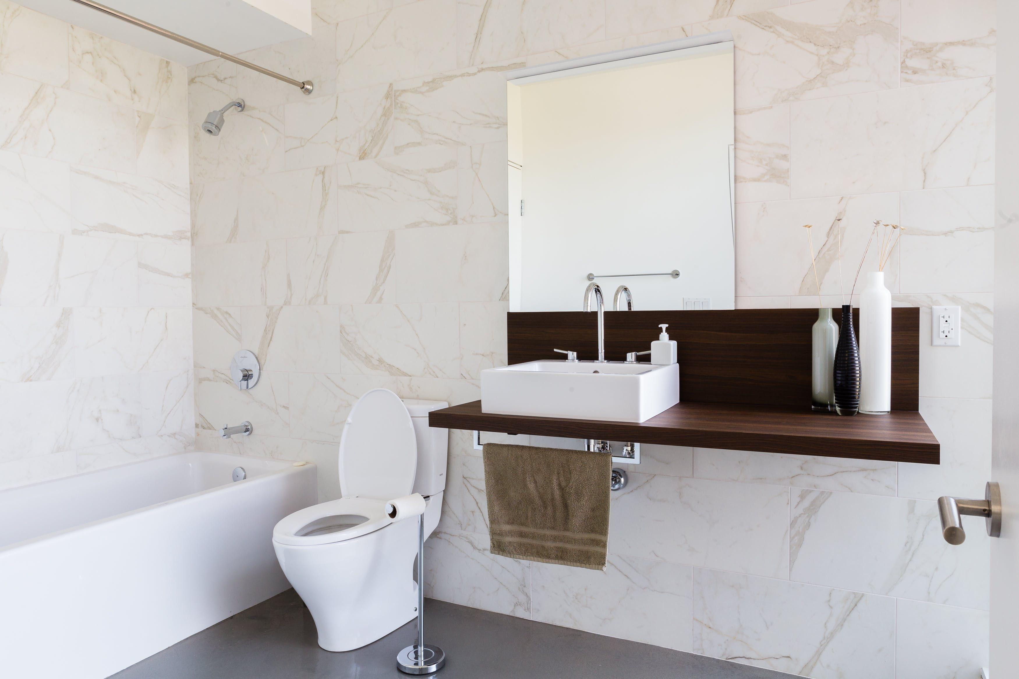 Tour an Architect\'s Modern Mid-Century Mashup | Bathroom | Pinterest ...