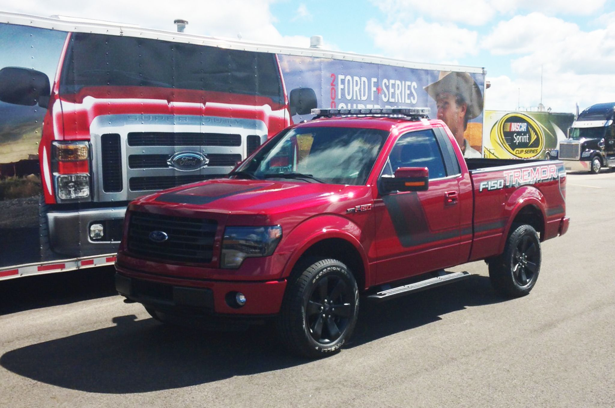 2014 ford f150 fx4 tremor ecoboost front view red