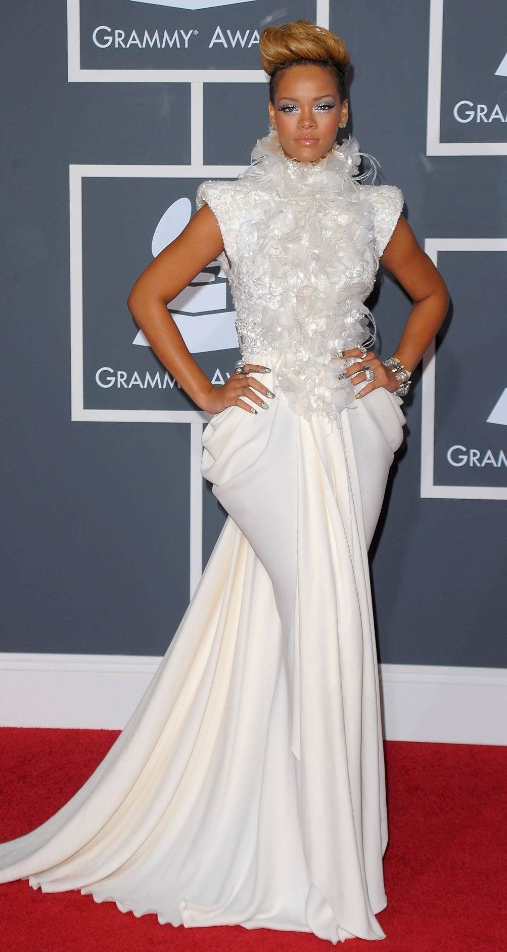 Pin von Fashion Dolling auf Rihanna | Pinterest