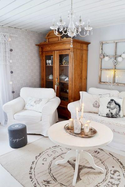 olohuone,eläintyyny,matto,sohvapöytä,rahi