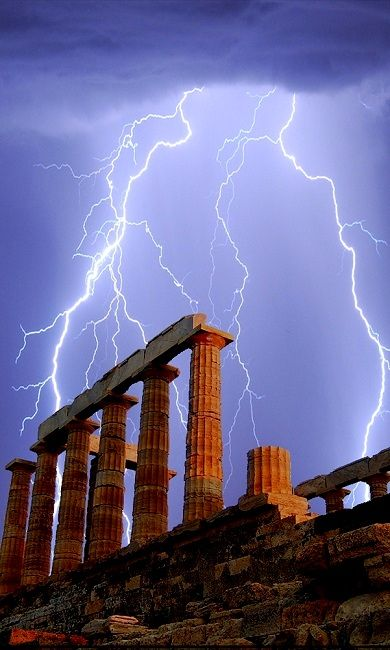 Lightning over the Temple of Poseidon, Sounion, Greece | Lightning, Greece,  Wild weather