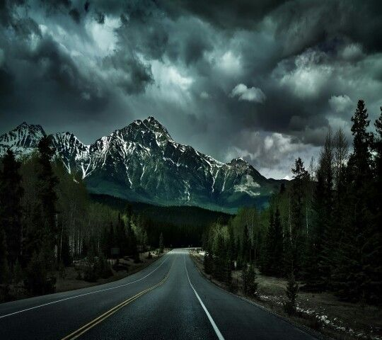 Beautiful Stormy Sky Over The Mountains Background Images