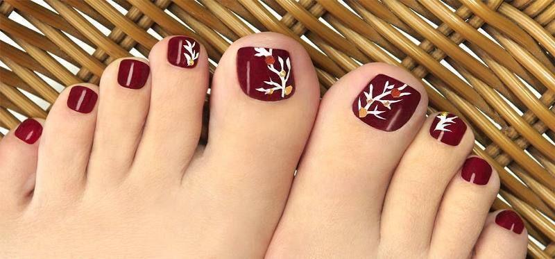 45 Lovely Christmas Toenail Art Design Ideas Pouted Com Simple Toe Nails Toenail Art Designs Easy Toe Nail Designs