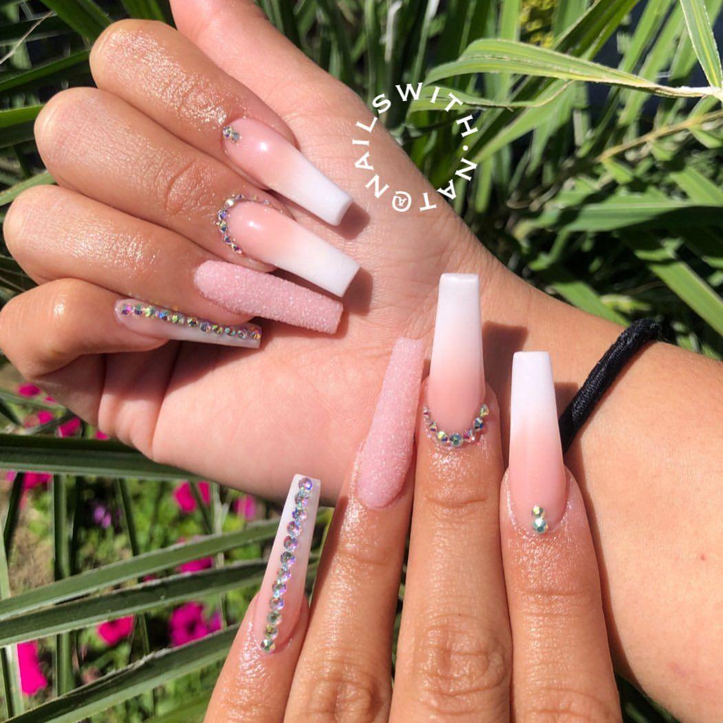 Nude & White set ✨✨ - - - - - - - - - - - - - - - - - - - - - - - - - - - - - #nails #inspo #lanailartist #nailtech #acrylicnails #uñas…