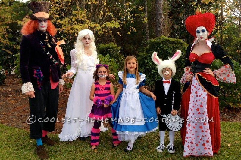 Alice In Wonderland Halloween Costume Family.Awesome Family Of Six Alice In Wonderland Group Costume Halloween