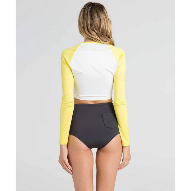 Get free shipping at the Billabong online store. Make waves in this retro cut surf bottom.