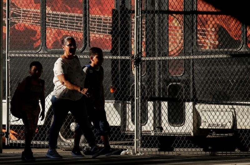 Bulk of families separated at U.S.Mexico border remain