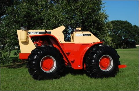 Case 1200 Traction King