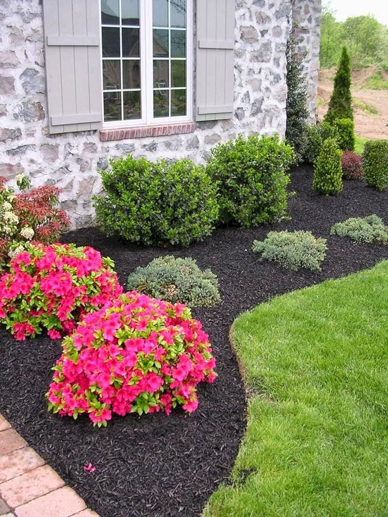 50 Simple And Beautiful Front Yard Landscaping Budget Friendly Ideas Front Yard Landscaping Design Front Yard Garden Front Landscaping