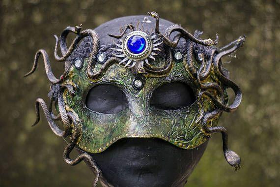 how to make a medusa mask