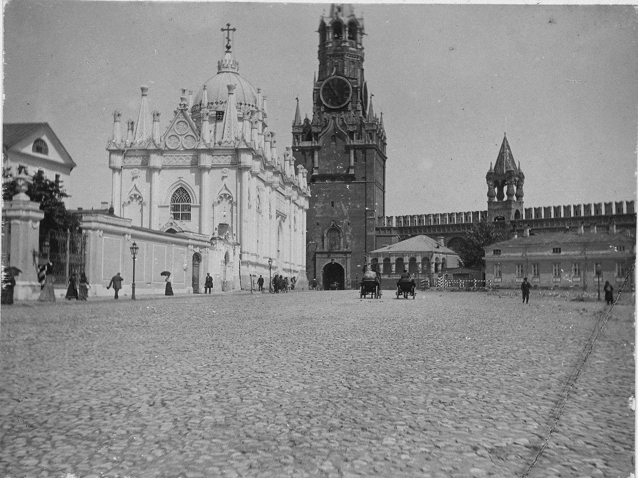 того, что старинные фото московского кремля коей мере умаляет