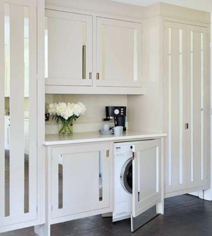 Dise o de cocina clasica blanca con espejos dise o for Cocinas con espejos