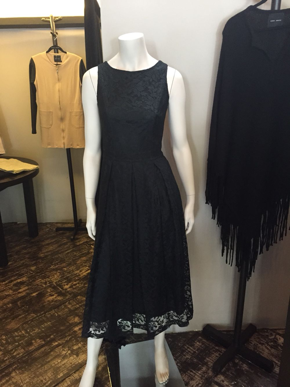 Tradittional Black dress, lace. By mexican designer Raquel Orozco . Photo by Molén
