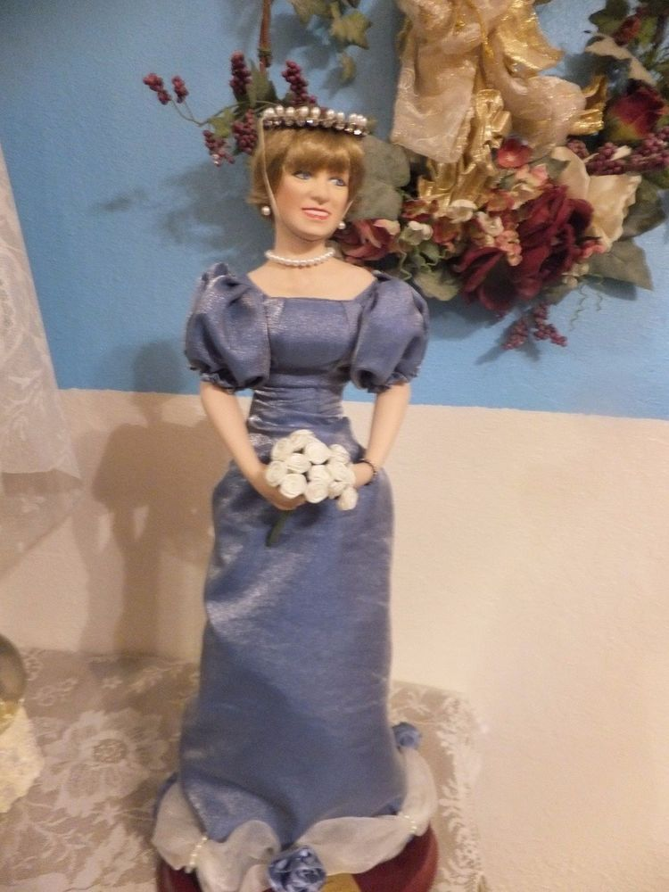 Princess Diana Doll Porcelain Queen of Hearts Original COA First Issue! #TheSocietyforthePreserbationofHistoryInc