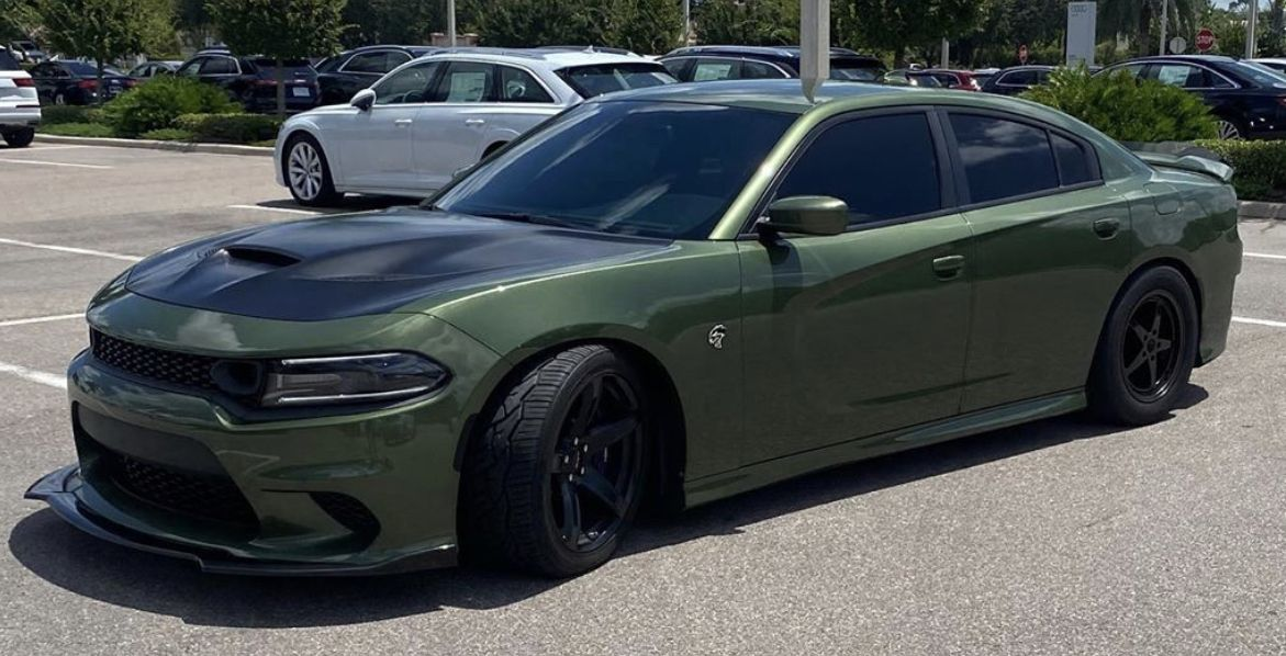 Pin By Mike On Charger Hellcat Dodge Charger Hellcat Sports Cars Luxury Dodge Challenger Hellcat
