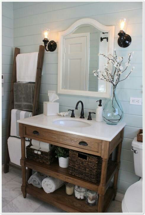 Easy diy bathroom updates muebles antiguos hechos y ba o for Decorar bano antiguo