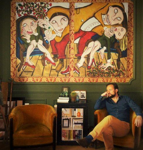 """Vadim KORNILOFF, peintre expressionniste France Metz dans son salon. Diptype """"Une histoire d'amour"""" 200/140 cm"""