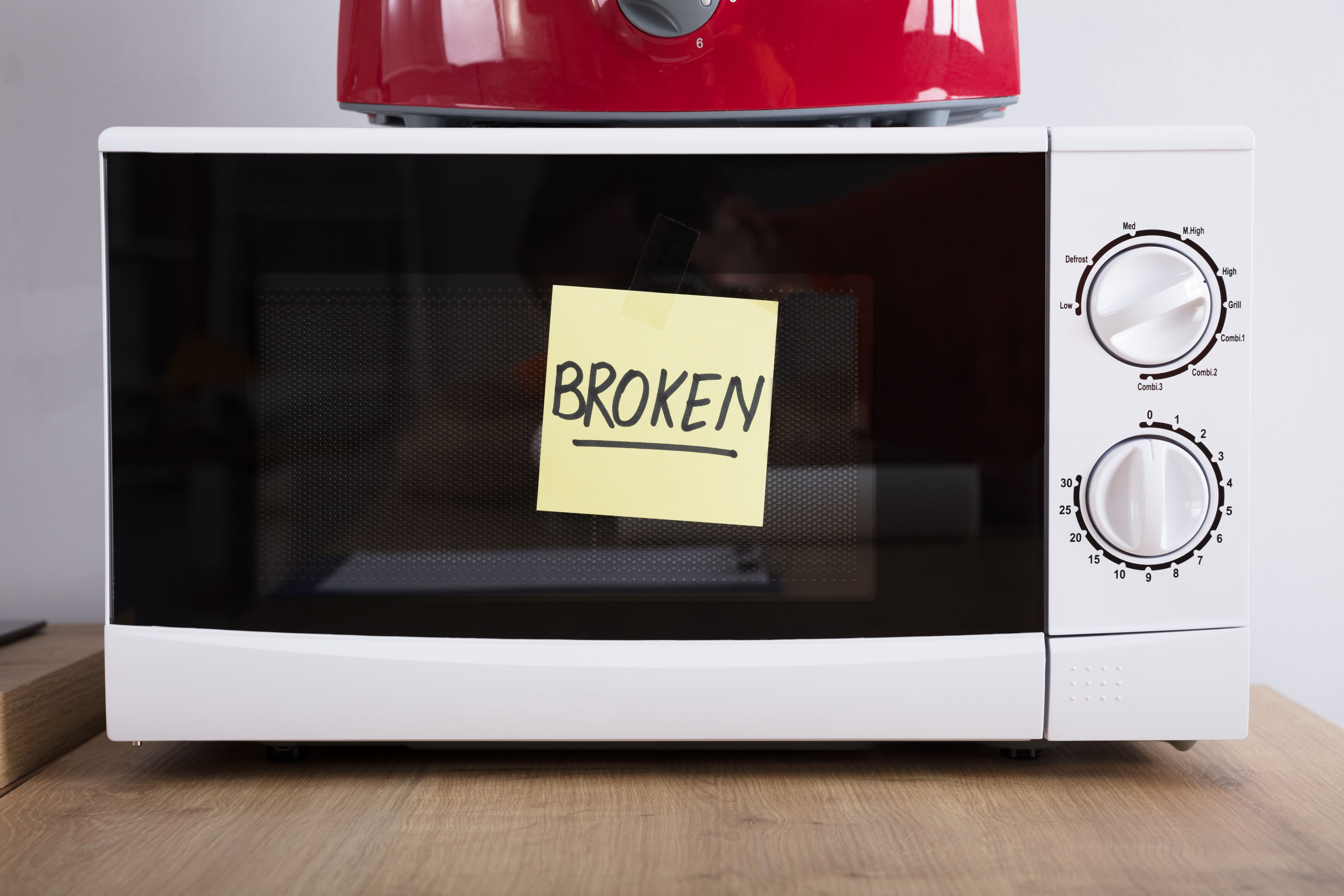 9 microwave problems you ll regret ignoring microwave problems appliance repair microwave