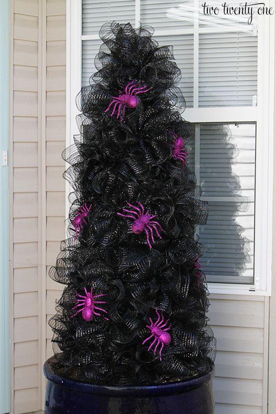 halloween decoration spider tree idea.