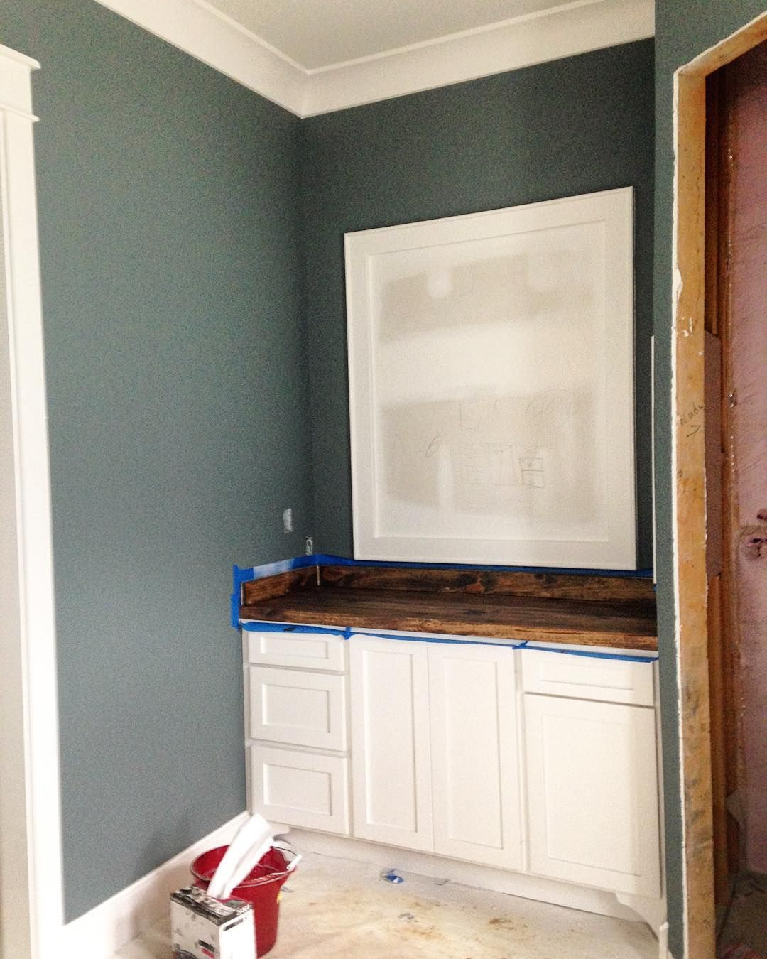 Best Benjamin Moore Gray For Accent Wall: Wall Color Is Ben Moore Steep Cliff Gray