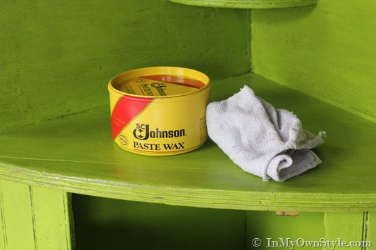 How to apply wax over chalk painted furniture..has other page testing chalk paint recipes, and different waxes.