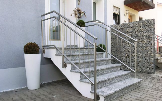 Pin auf Front steps