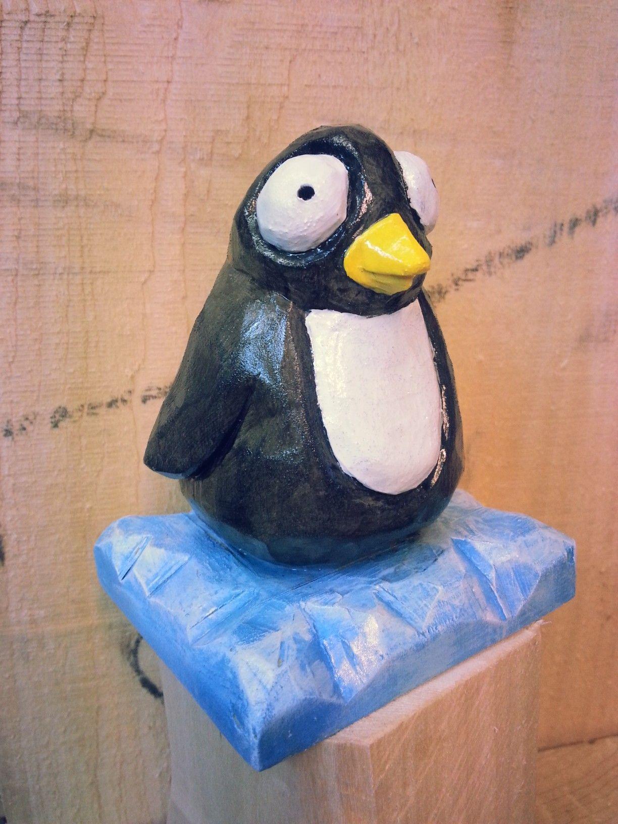 Pinguoin sculpture sur bois woodcarving wood carving