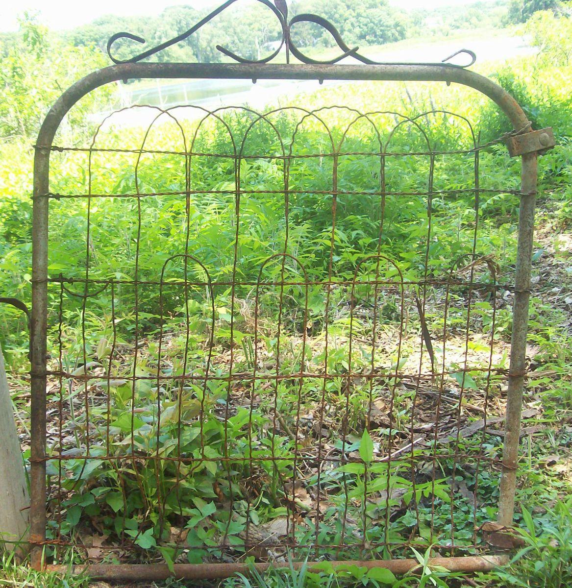 Antique Garden Gate Flower Vegetable Trellis Yard Wire Art Primitive