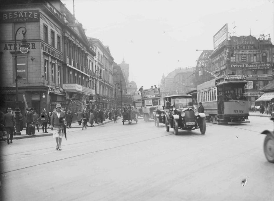 1926 Alexanderplatz Blickrichtung Koenigstrasse In 2020 Historische Fotos Berlin Bilder