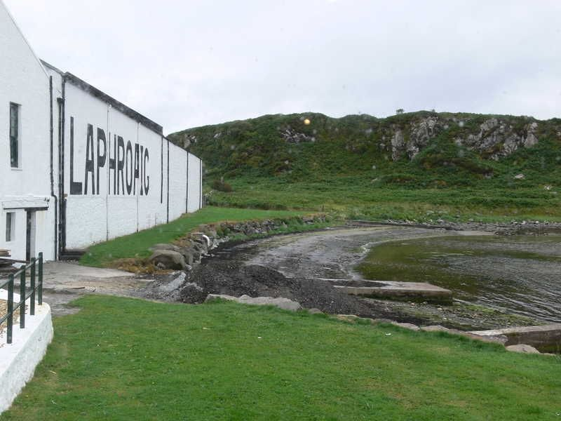 5-on-tour » More *hiccup* Islay >> Laphroaig. Everyone has taken this pic!
