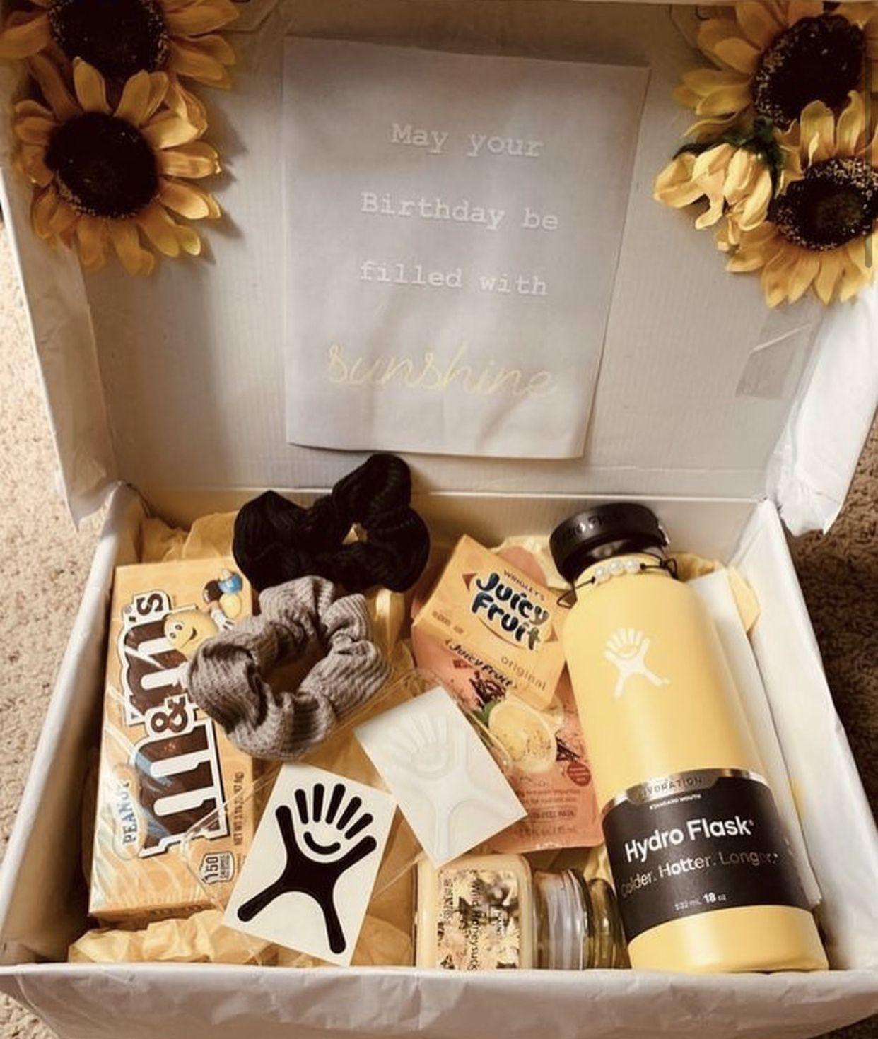 Super Cute Birthday Box So Vsco Girl Diy Cadeau Anniversaire